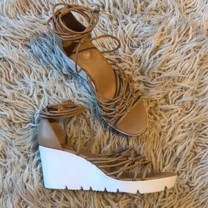 Charles David Vegas Tan Lace up Wedge Sandals 7